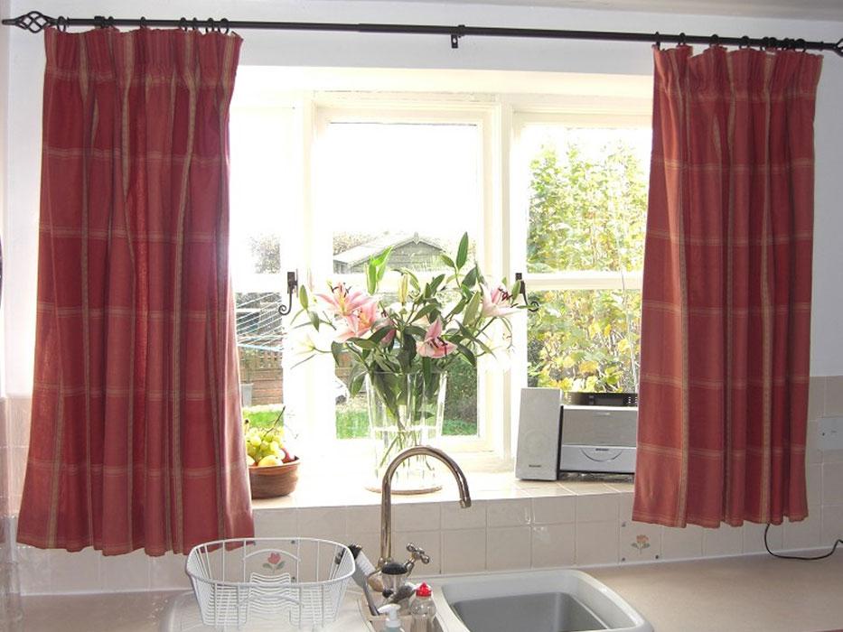 Кухонные простые шторы