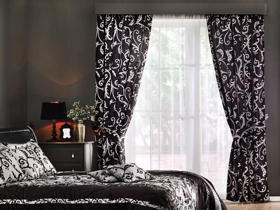 Простые черные шторы