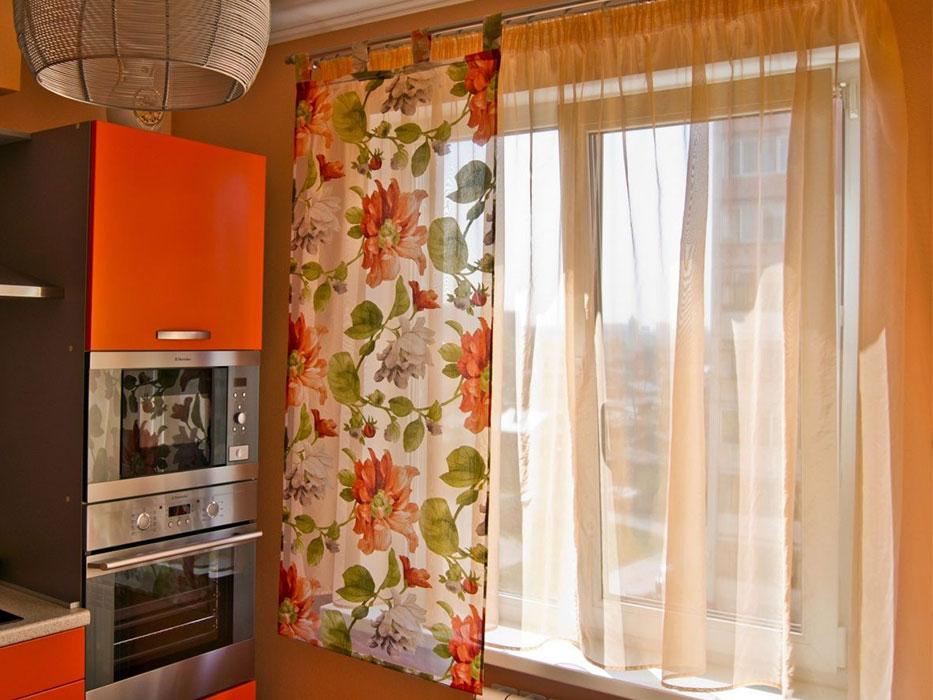 Простые шторы для кухни