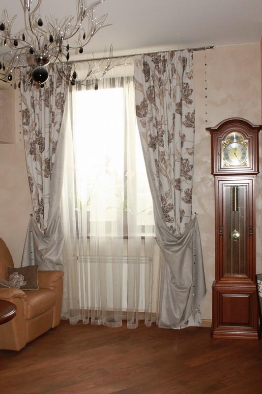 Простые шторы и тюль на петлях для спальни или зала
