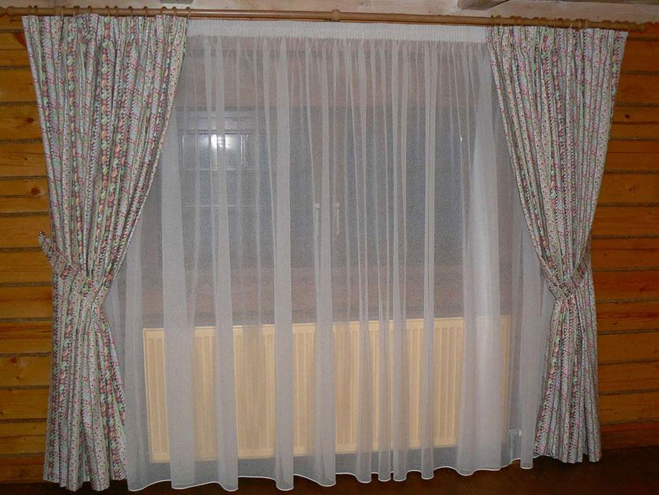 Простые шторы на дачу