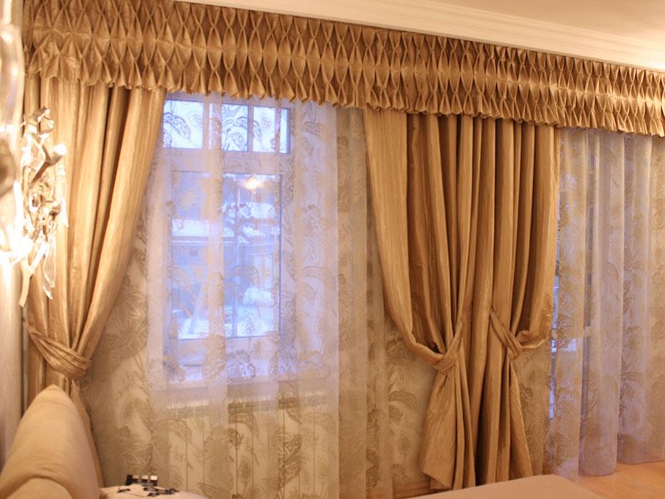 Простые шторы с ламбрекеном