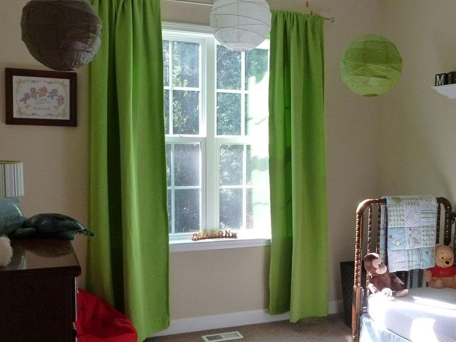 Салатовые простые шторы